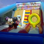 Castillo hinchable de 8x6 de disney